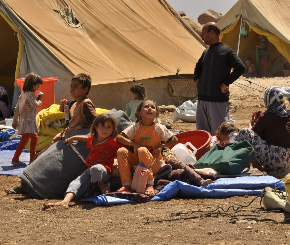 اللاجئون، النزوح القسري، والهجرة